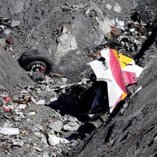 wreckage-of-the-airbus-a320-is-seen-at-the-site-of-the-crash-near-seyne-les-alpes-march-26-2015-reutersemmanuel-foudrot